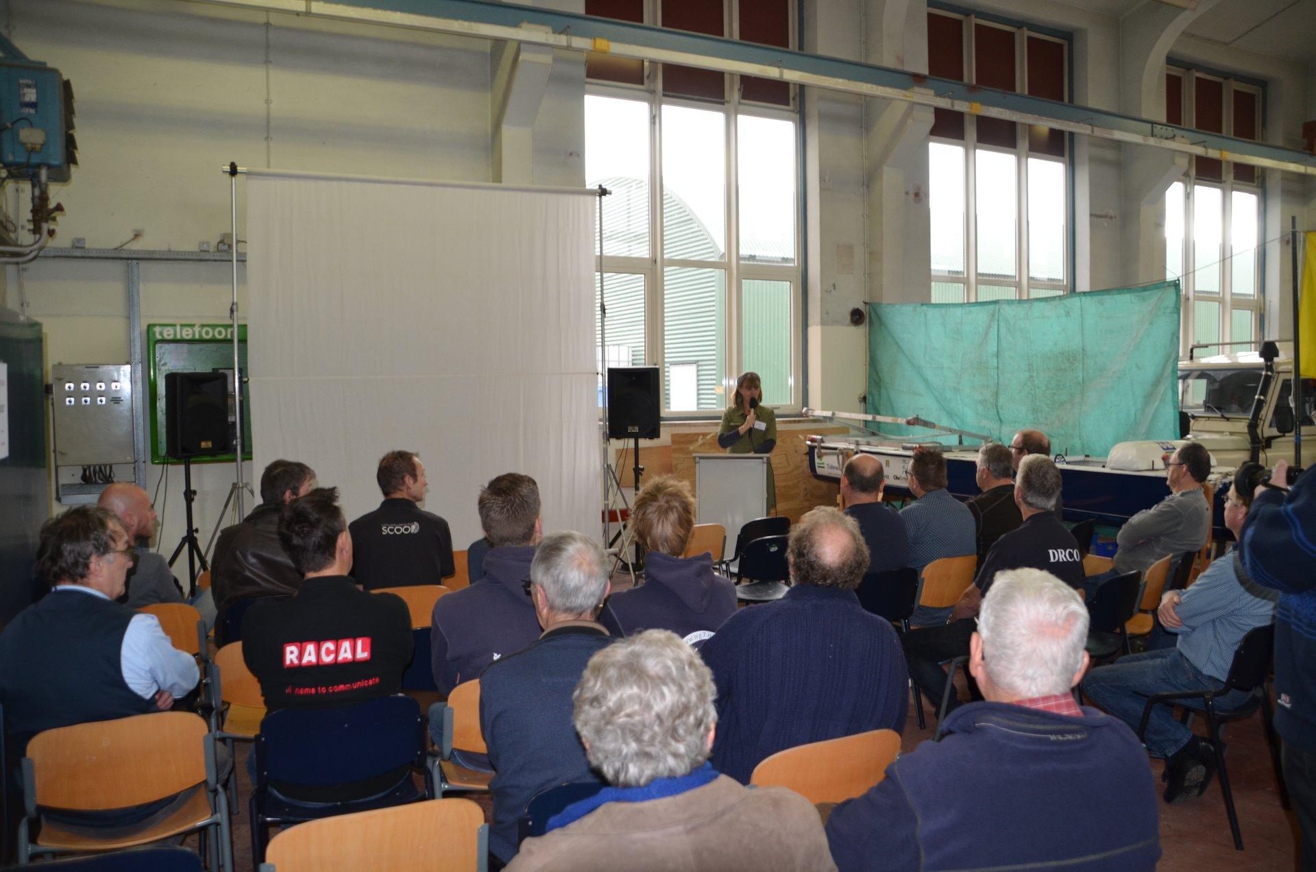 Karin PD0KM houdt toespraak bij aanvang Open Dag VRZA ZWN